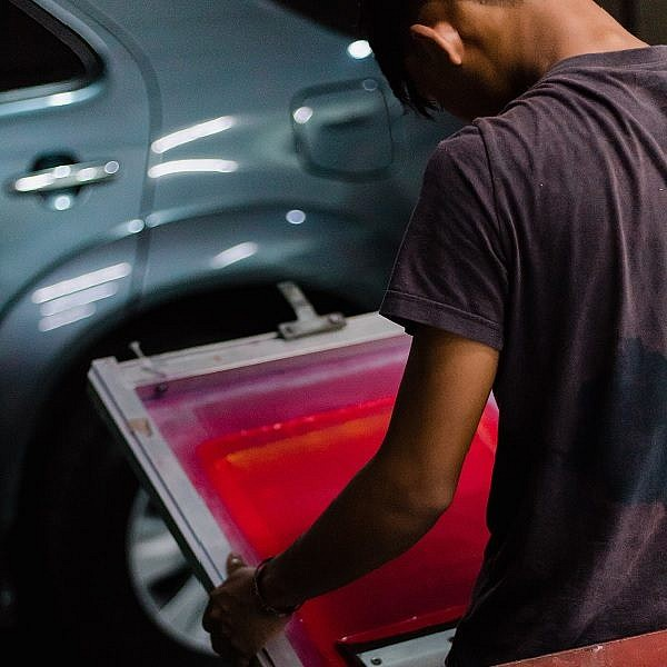 How Silkscreen Printing Service Can Make a Difference in Promotion of Your Business